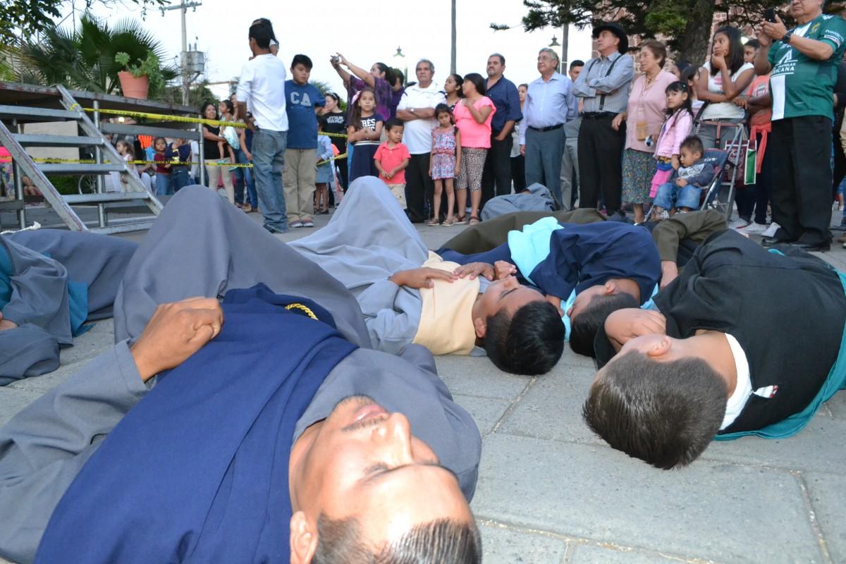 5 Los apóstoles dormían mientras Jesús rezaba