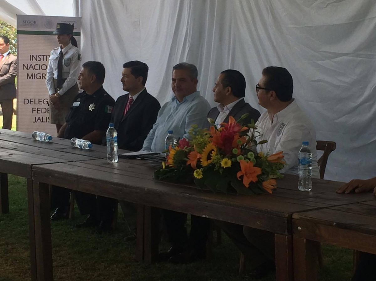 En el acontecimiento el Fiscal General de Jalisco, Jesús Eduardo Almaguer Ramírez, y el presidente municipal de Chapala, Javier Degollado González.