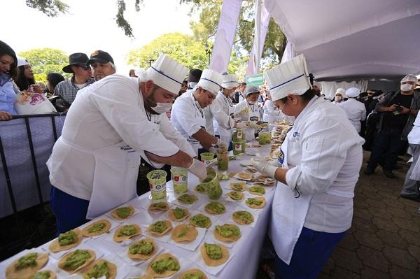 Récord Guinness Guacamole más grande del mundo en Concepción de Buenos Aires (19)