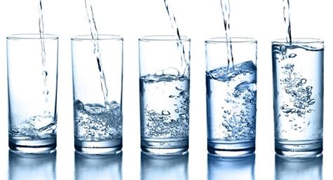 Se recomienda mantenerse hidratado ante altas temperaturas