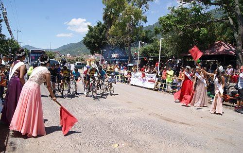 Sin incidentes se realizaron las tradicionales carreras de ciclismo