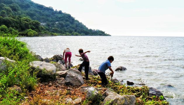 Investigación de ITESO concluye que consumo de agua y alimentos del lago son causantes de enfermedades renales