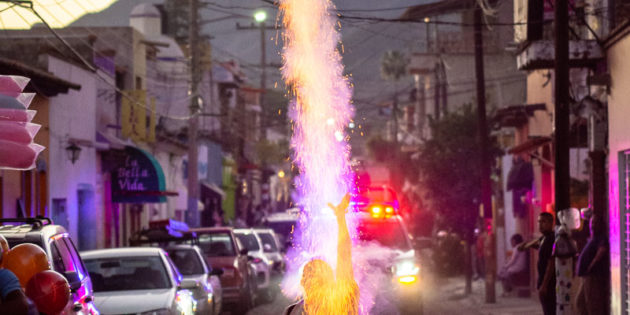 Five a.m. fireworks in Lakeside: an explanation from Ajijic