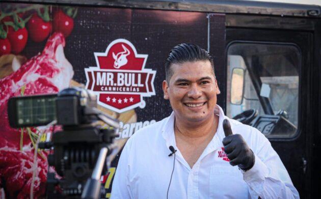 Carnicería Mr Bull celebra cinco años con regalos para los ribereños