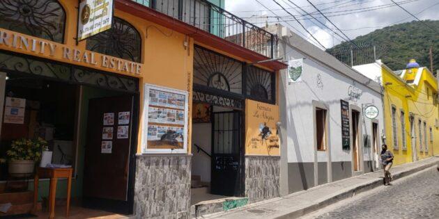 Vandalizan negocios de la zona centro de Ajijic