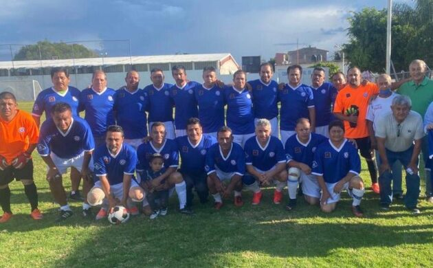Fundación Alégrate entrega uniformes a destacados equipos de fútbol