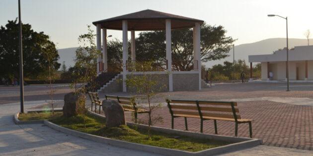 Inauguran la plaza de El Chante