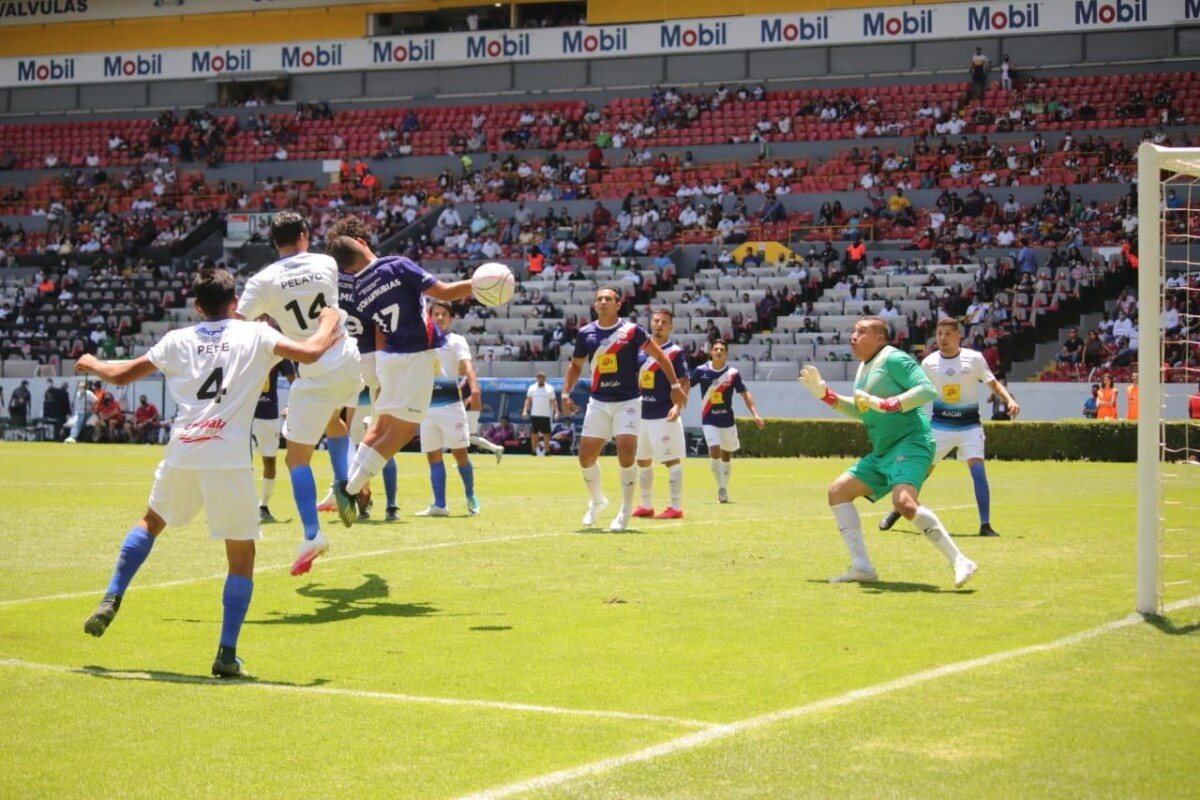 La Selección de Cihuatlán y Slección de Chapala en el Estadio Jalisco. Foto: Luilli Barón.
