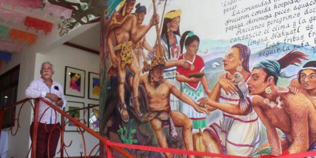 """Develan el mural """"Venimos de Aztlán"""" en el Centro Cultural de Ajijic"""