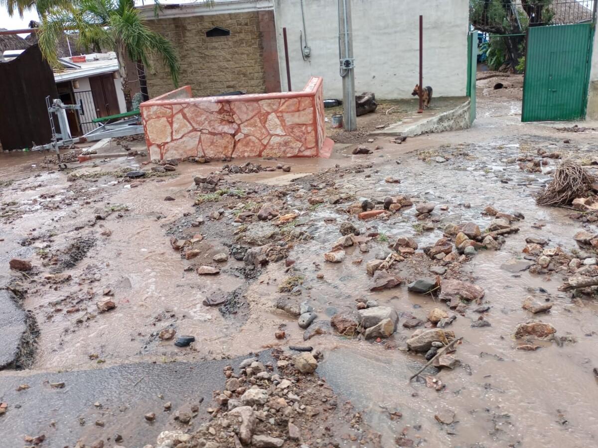 En la zona restaurantera de Piedra Barrenada de la misma población, varios negocios de éste giro también resultaron con afectaciones. Foto: Armando Esquivel.